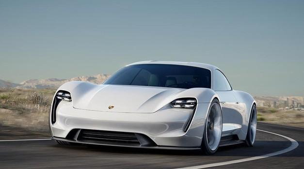 Porsche bo najdražjo različico električnega Taycana poimenoval Turbo (foto: Porsche)
