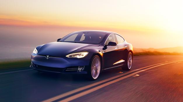 Video: avtonomni Tesla Model S povozil avtonomnega robota (foto: Tesla)