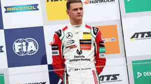 Mick Schumacher novi bodoči testni voznik Ferrarija v F1?