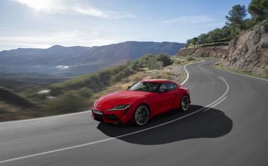 Toyota Supra kljub enaki osnovi hitrejša kot BMW Z4?