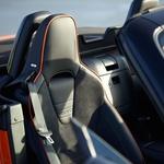 Oranžna Mazda MX-5 za 30. obletnico najbolje prodajanega roadsterja (foto: Mazda)