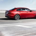 Jaguar XE se v novo sezono pelje precej osvežen (foto: Jaguar Land Rover)