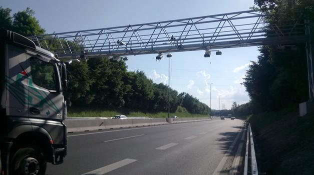Evropa učinkoviteje nad neplačnike cestnin na avtocestah (foto: Matjaž Tomažič/Arhiv AM)