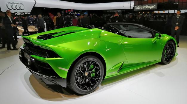 Ženeva 2019: Lamborghinijev razstavni prostor v znamenju roadsterjev (foto: Dušan Lukič)