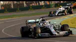 Formula 1: Mercedes po starem?