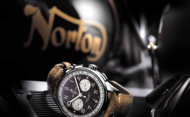 Norton in Breitling predstavljata prve sadove sodelovanja