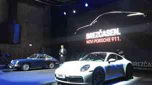 Novo v Sloveniji: Porsche 911 Carrera