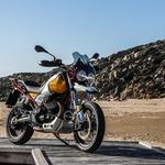 Nov veter iz Mandella del Aria (foto: Moto Guzzi V85Tt)