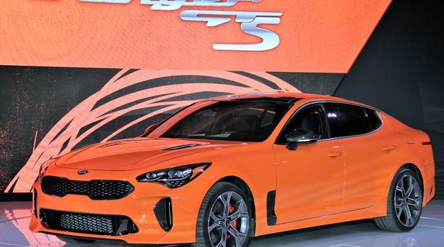 Kia Stinger GTS bo lahko tudi 'driftala' (foto: Kia)
