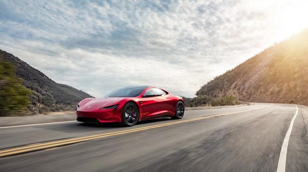 Tesla Roadster naj bi presegel 1.000 kilometrov z enim polnjenjem (foto: Tesla)