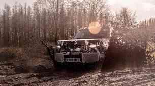Land Rover Defender se podaja na dobrodelno pot