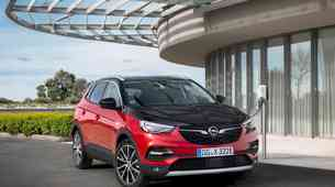 Opel Grandland X dobiva električno pomoč