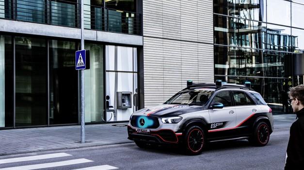 Mercedes-Benz je predstavil najvarnejši avtomobil do zdaj (foto: Daimler AG)