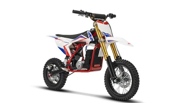 Beta predstavila drugo generacijo motociklov Minicross-e (foto: Beta)