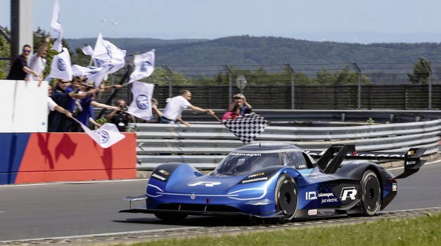 Volkswagen ID R Nürburgring zrušil rekord na 'svojem' dirkališču (foto: Volkswagen)