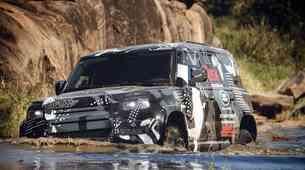 Land Rover Defender prestal afriško avanturo