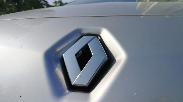 Dogovor med Renaultom in FCA padel v vodo