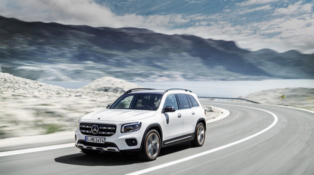 Svetovna premiera: Mercedes-Benz GLB je križanec s terenskimi zmogljivostmi (foto: Daimler AG)