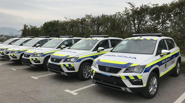 Policija na (p)oseben način opozarja na nepridiprave na javnih parkiriščih (foto: 3DIM)