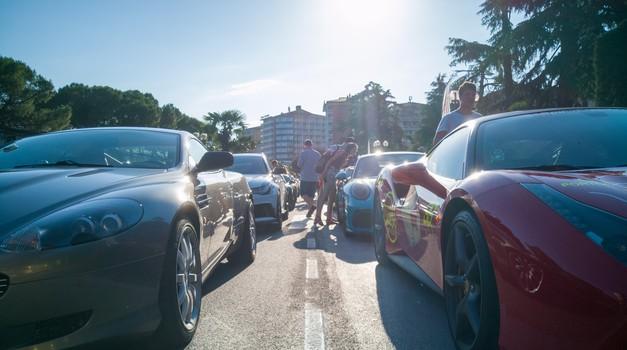 Milijoni evrov na štirih kolesih okupirali Portorož (foto: Jure Šujica)