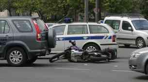 Najpogostejši vzrok za smrt motociklistov je prevelika hitrost, sledi ji nepravilno prehitevanje