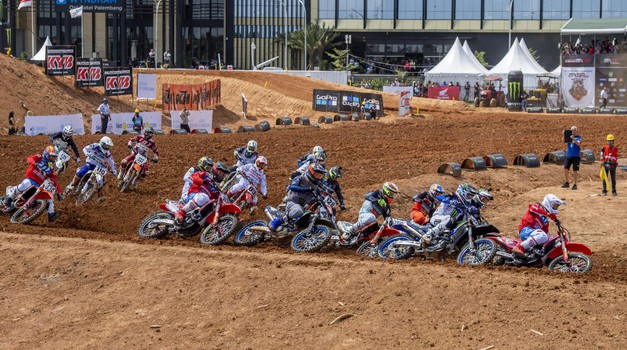 Motokros: pred nami je vikend poln dirkaške akcije (foto: Honda)