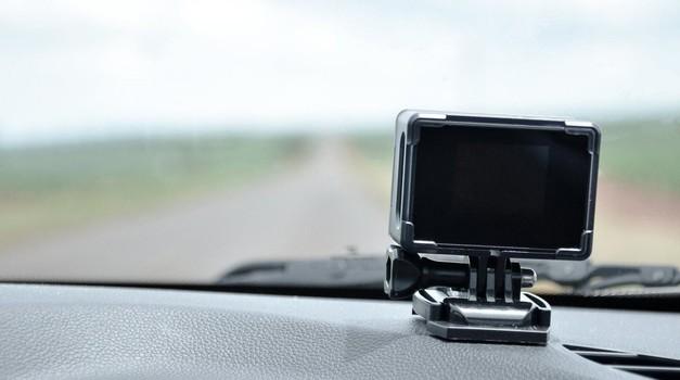 Kaspersky: Pametne naprave za starejše avtomobile so varne (foto: Profimedia)
