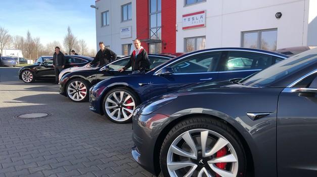 Nove težave podjetja Tesla: Nextmove ne bo zaključil od milijonskega posla (foto: Tesla)