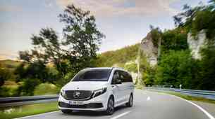 Mercedes-Benz EQV je prvi vsakodnevno uporaben limuzinski kombi na elektriko