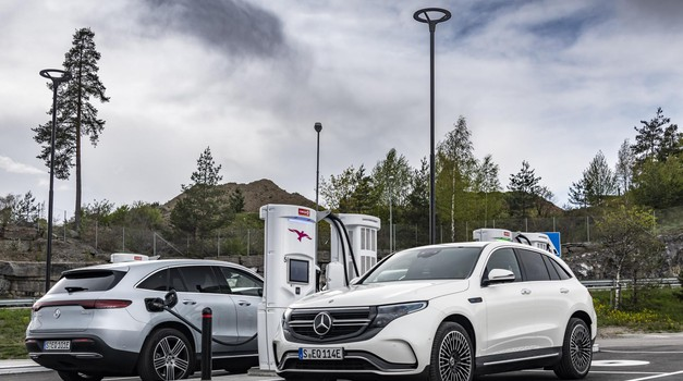 Mercedes-Benz EQC - Devet mesecev (foto: Daimler Ag - Global Communications Mercedes-Benz Cars, Photo By Dirk Weyhenmeyer On Behalf Of Daimler Ag)