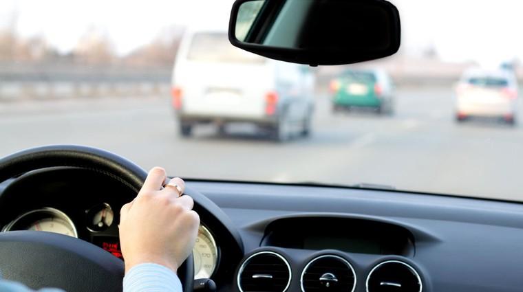 Na agresivne voznike nikar z agresijo! (foto: Profimedia)