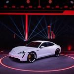 Porsche Taycan se naposled (skoraj) ni spremenil (foto: Porsche)