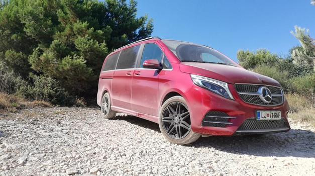 Mercedes-Benz V300d 4Matic Exclusive (foto: Dušan Lukič)