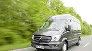 Daimler vpoklical 260.000 vozil. Poglej zakaj