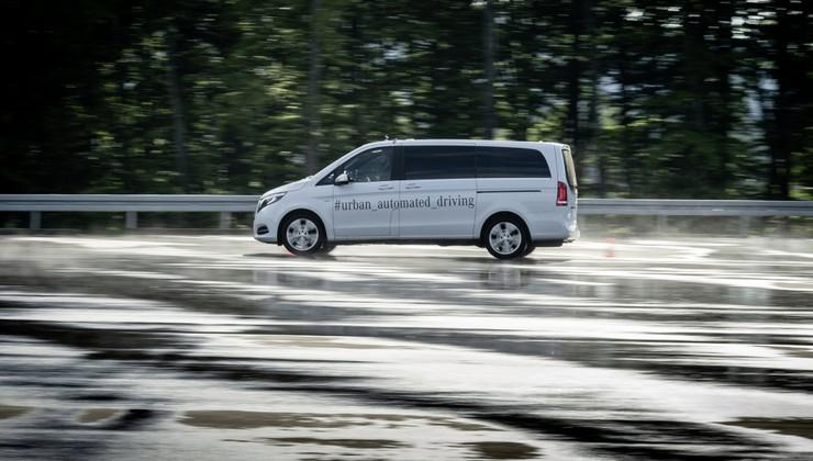 Tudi Daimler odpisal samovozeče avtomobile?