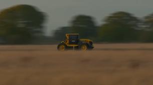 Video: S traktorjem prvič več kot 200 kilometrov na uro!