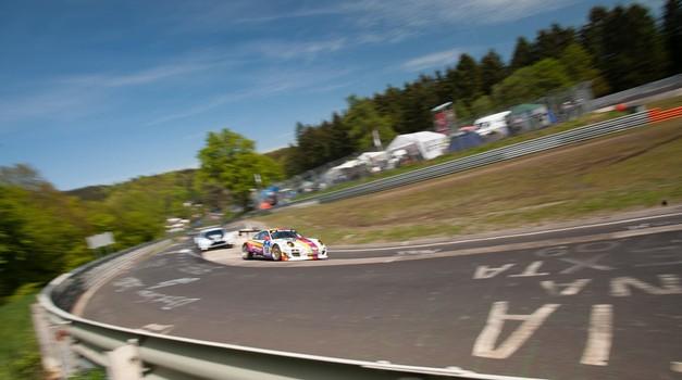 Omislite si svoj Nürburgring kar na domači mizi (foto: Profimedia)