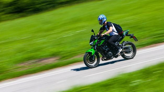 Test Kawasaki Z400 - Zelena zverca (foto: Saša Kapetanovič)