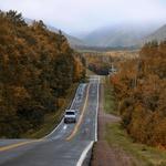 Širne prostrane kanadske ceste so bile idealen poligon za preizkus nove Californie. Opravila ga je z odliko! (foto: Volkswagen)