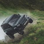 Land Rover Defender ostaja neuničljiv (foto: Land Rover)