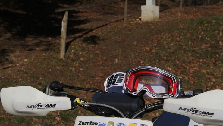 Preizkusili smo: motokros očala Armega