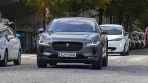 Konec spodbud za priključne hibride, znatno zmanjšanje za električne avtomobile