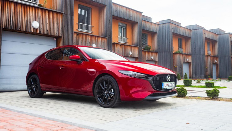 Kratki test: Mazda3 Skyactiv-X – X-faktor?