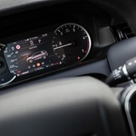 Klasika po zgledu Land Roverja - pogled na merilnike. (foto: Uroš Modlic)
