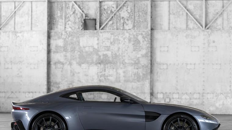 Aston Martin stopa na Ferrarijeva pota (foto: Aston Martin)