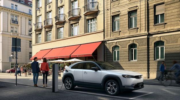 Mazda se vrača k rotacijskim motorjem (foto: Mazda)