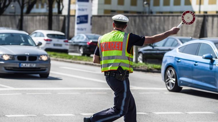 Ob izpit že z 21 kilometri na uro prehitro (foto: Profimedia)