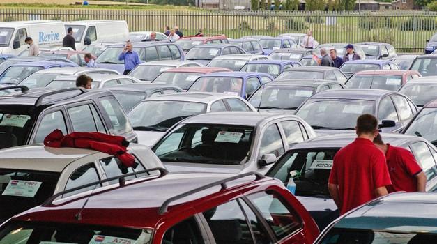 Kupiti rabljen avto? Nič lažjega! (foto: Pixel Youth Movement/Alamy/Profimedia)