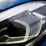 Pri BMW-ju poznajo tudi laserske luči, a so matrični LED-žarometi za ta razred odlični. (foto: Saša Kapetanovič)