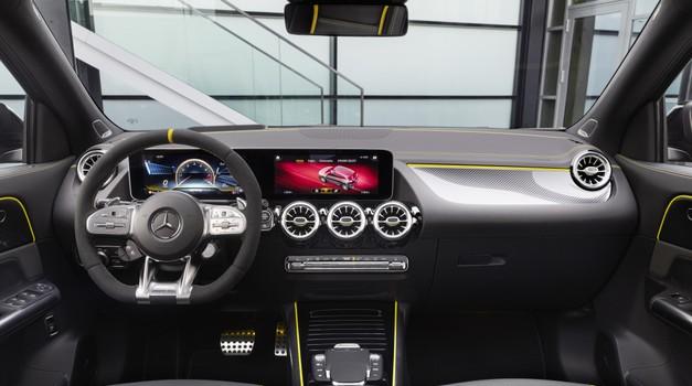 'Mercedes, ali sem zaprl okna v spalnici?' (foto: Daimler)